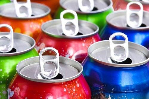 Latas de refrigerante