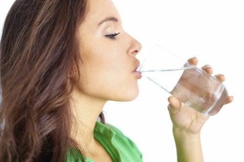 Beba um copo antes ou depois de comer