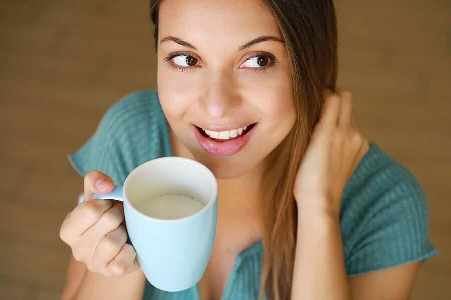 A salsa é cheia de antioxidantes e fibras naturais que beneficiam a saúde do trato urinário