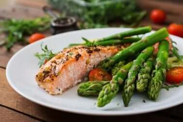O peixe azul ajuda a evitar a deficiência de ferro