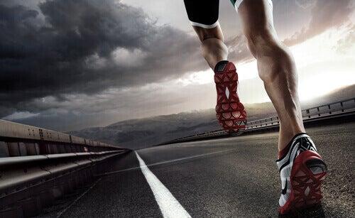 Exercício precisa fazer semanalmente: correr