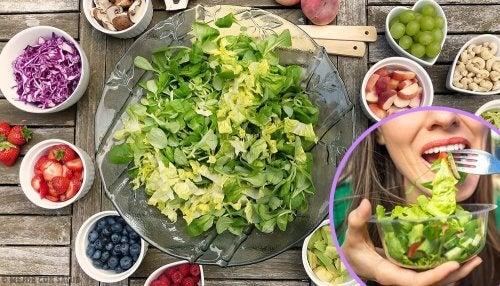 5 saladas nutritivas e fáceis de preparar