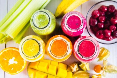 Vitaminas e sucos coloridos para todos os dias da semana