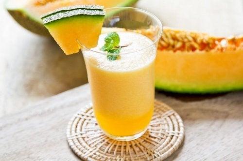 Vitamina de melão para reduzir as varizes