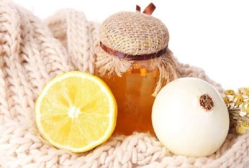 Xarope de cebola e mel para combater a tosse