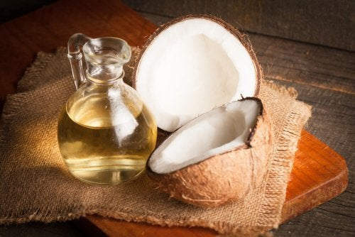 Óleo de coco ajuda a tratar a vaginose bacteriana