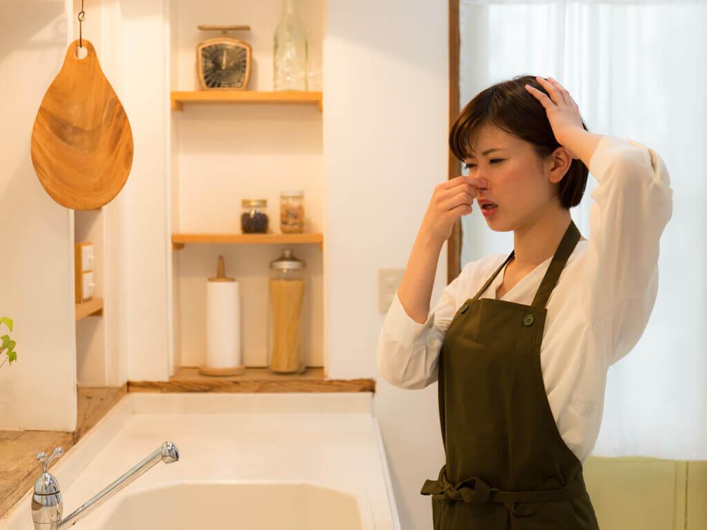 10 truques para eliminar maus odores na cozinha