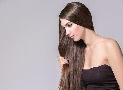 4 ervas e especiarias que promovem o crescimento do cabelo