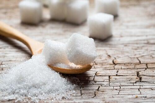 5 alternativas para evitar o açúcar em sua alimentação