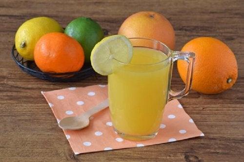 Suco de cítricos para perder medidas no abdômen