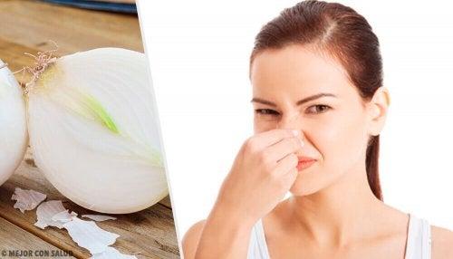 8 alimentos que causam um odor corporal desagradável