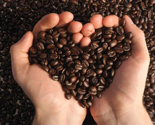 Café em formato de coração