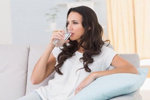 Se quiser controlar o diabetes beba bastante agua