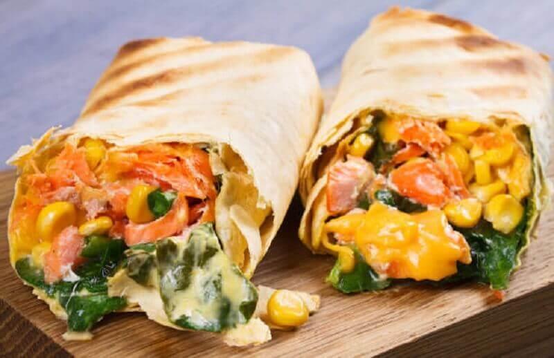 Burritos de milho e vegetais