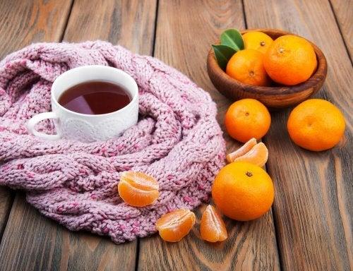 Como fazer uma infusão de casca de tangerina, valeriana e camomila para acalmar os nervos