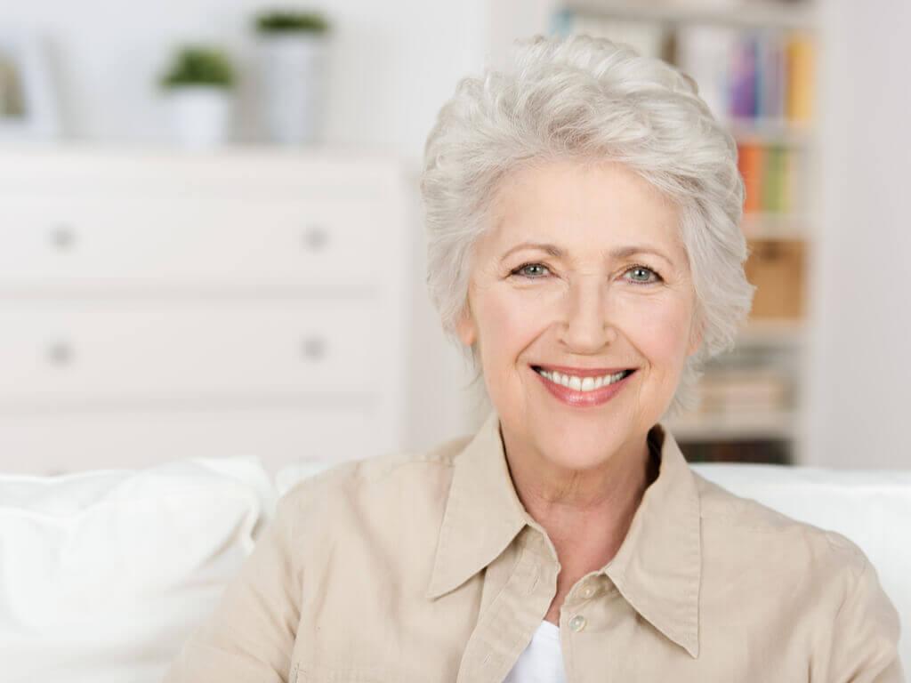 Os cabelos brancos: estética e maturidade