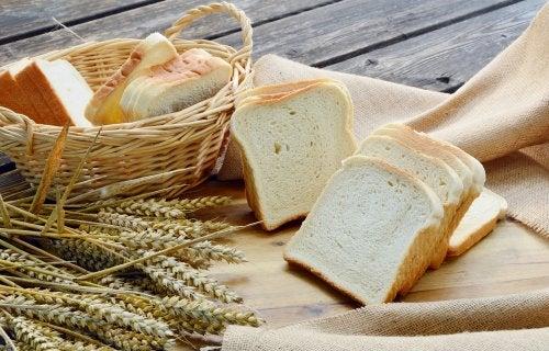 Qual é o pão mais saudável e que não engorda?