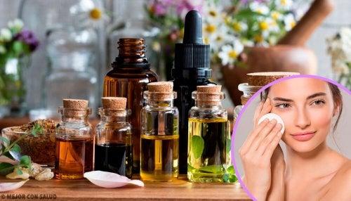 Removedores de maquiagem caseiros para a pele seca, oleosa e sensível
