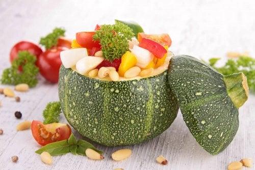 Uma dieta equilibrada é uma das razões pela qual os japoneses vivem mais