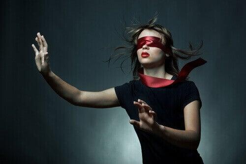 Mulher cega por amor