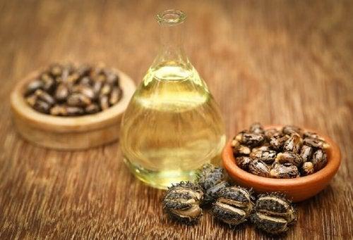 Tratamento de óleo de rícino contra pontas duplas e quebradiças