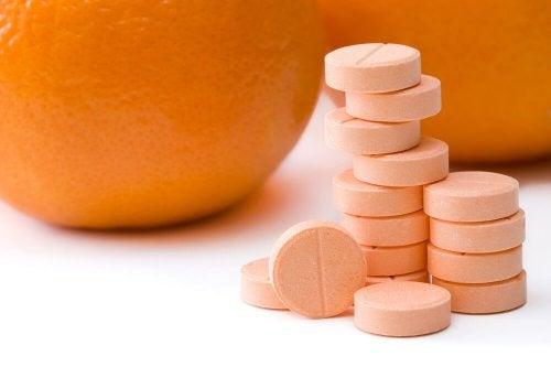 Pílulas de vitamina C para combater as verrugas