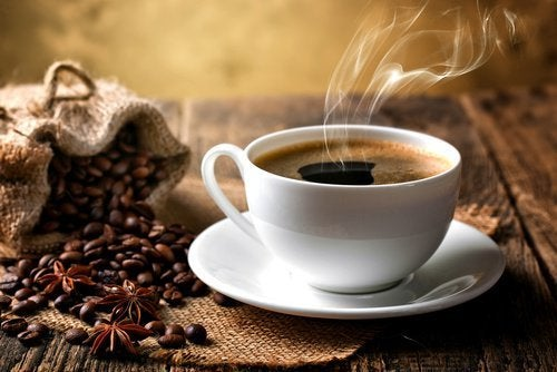 Café preto é um alimento para diminuir o apetite