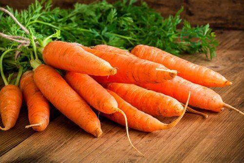 Cenouras que parecem ser saudáveis
