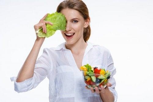 É preciso manter uma dieta equilibrada