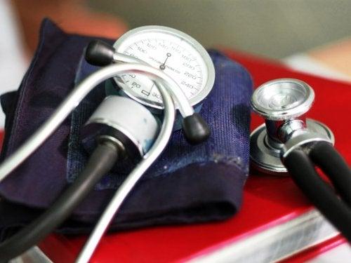Aparelho para tirar a pressão arterial em casa