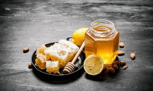 Própolis, mel e limão