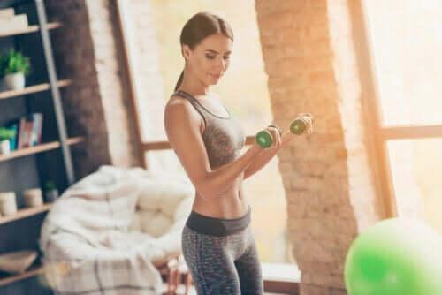 O que é melhor? Mais peso ou mais repetições no exercício?