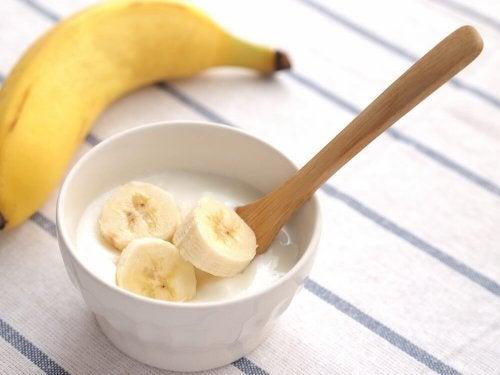 Creme de banana pode ajudar a aliviar os sintomas da psoríase no couro cabeludo