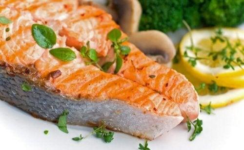 O salmão é benéfico para o coração