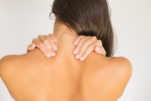 4 exercícios simples para aliviar a dor cervical