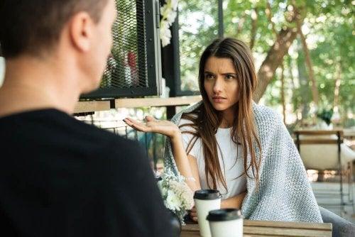 4 temas que estão afetando o seu relacionamento e afastando vocês