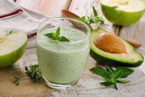 5 receitas com abacate deliciosas, nutritivas e fáceis