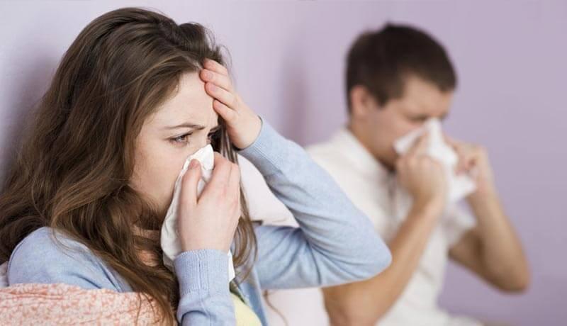 Casal com gripe