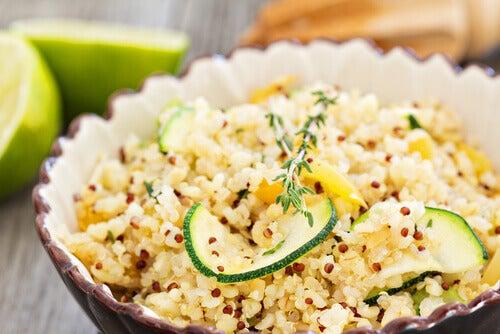 Comer quinoa alivia dor de cabeça
