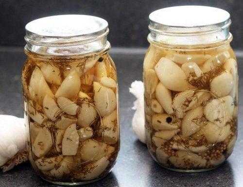 Remédio caseiro de alho e laranja para tratar varizes