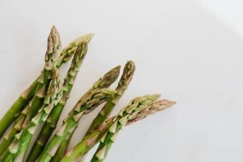 5 razões para comer aspargos e como prepará-los