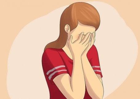 Mulher chorando por perder seu parceiro