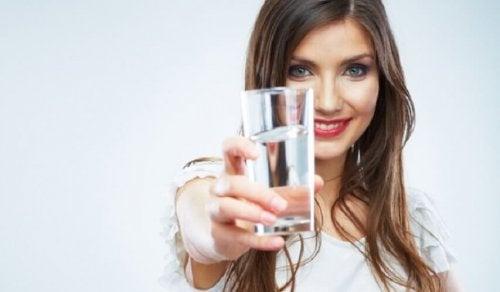 Beber bastante água