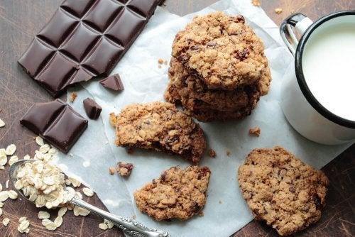 Biscoitos de aveia e chocolate sem forno