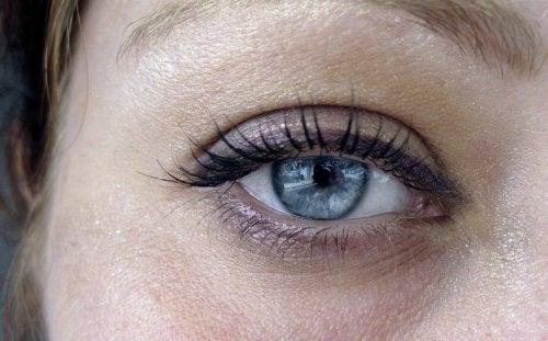 Olhos sem bolsas