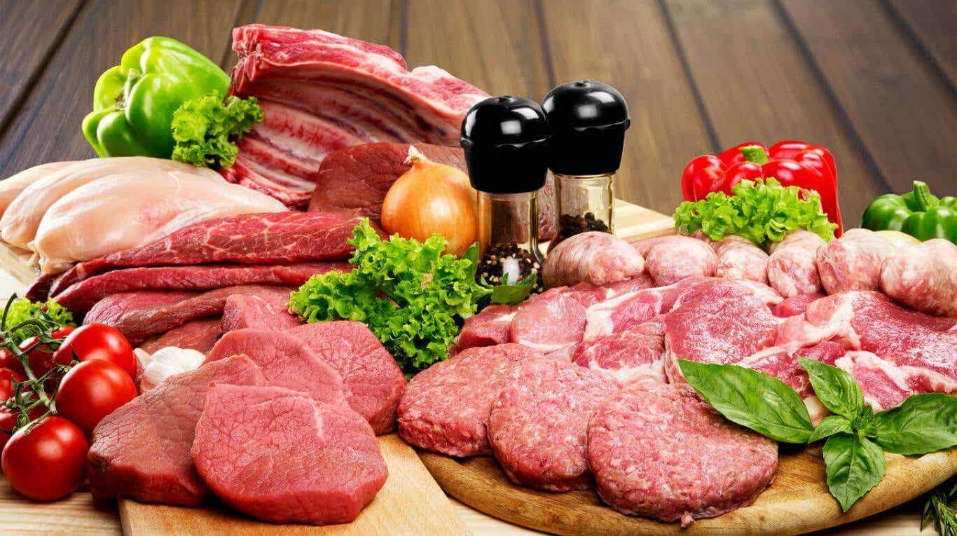 Carne, um dos alimentos cetogênicos para perder peso