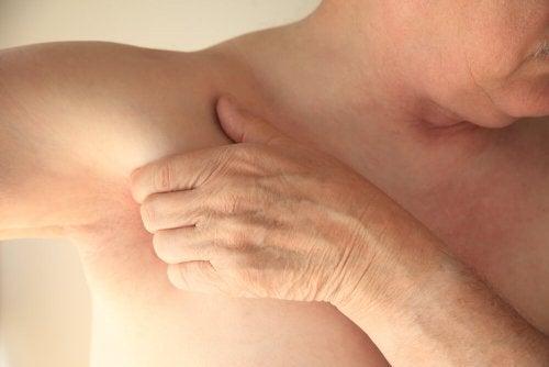 Estiramento muscular na axila