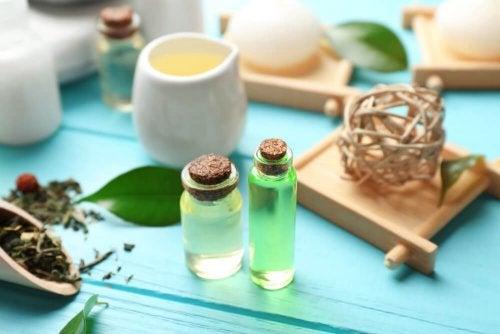 Máscara básica de água e óleo da árvore-do-chá