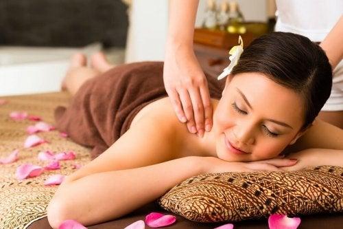 Massagens ajudam a desintoxicar o corpo