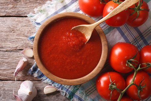 Molho saudável de tomate